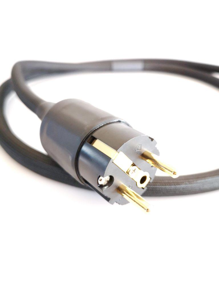 Omicron secteur schuko power odeion cables (détail)